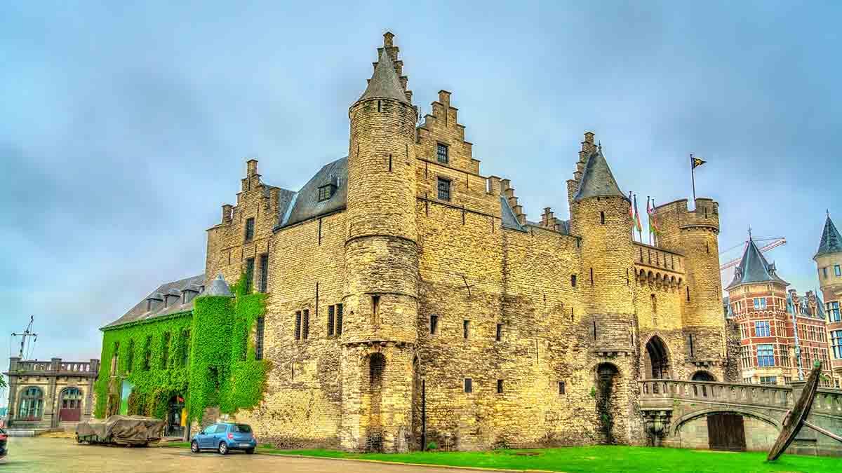 Het Steen Medieval Fortress