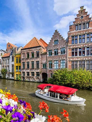 Canal boat tour in Ghent