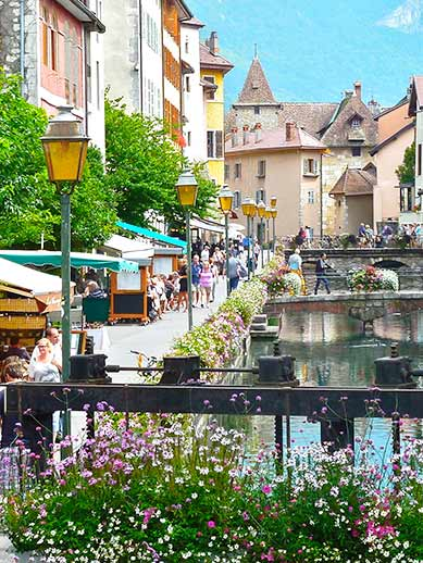 Eating and drinking in Annecy France