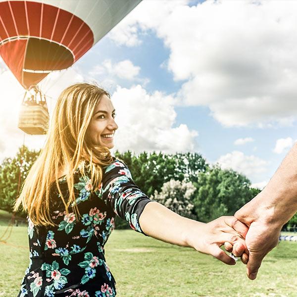 Hot air balloon ride burgundy