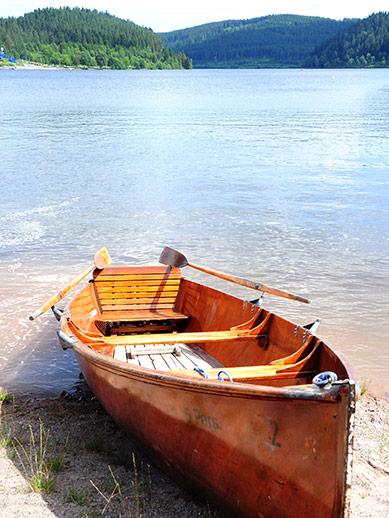 Canoe ashore at Lake Titisee