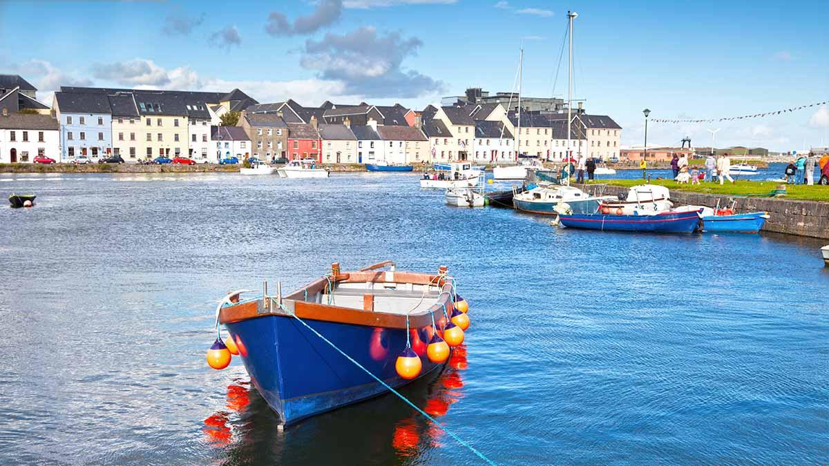 Łodzie rybackie w Galway