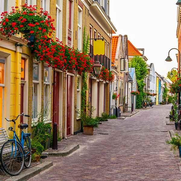 Walking tour in Delft