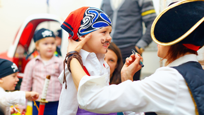 Children's club - playing with pirate pete